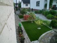 Kunstrasen 200cm x 400cm für schattige Flächen  bzw. als grüne Oase für Mensch und Tier